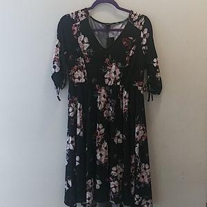 Torrid beautiful floral dress size 12